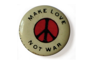 bron: http://www.creativereview.co.uk/cr-blog/2012/january/make-love-not-war