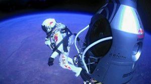 red_bull_stratos_baumgartner_jump_01 SMALL
